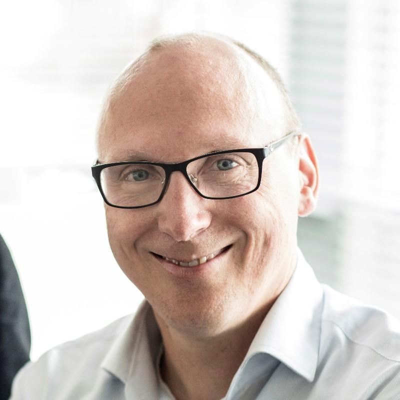 Dr. Bernd Van Buuren